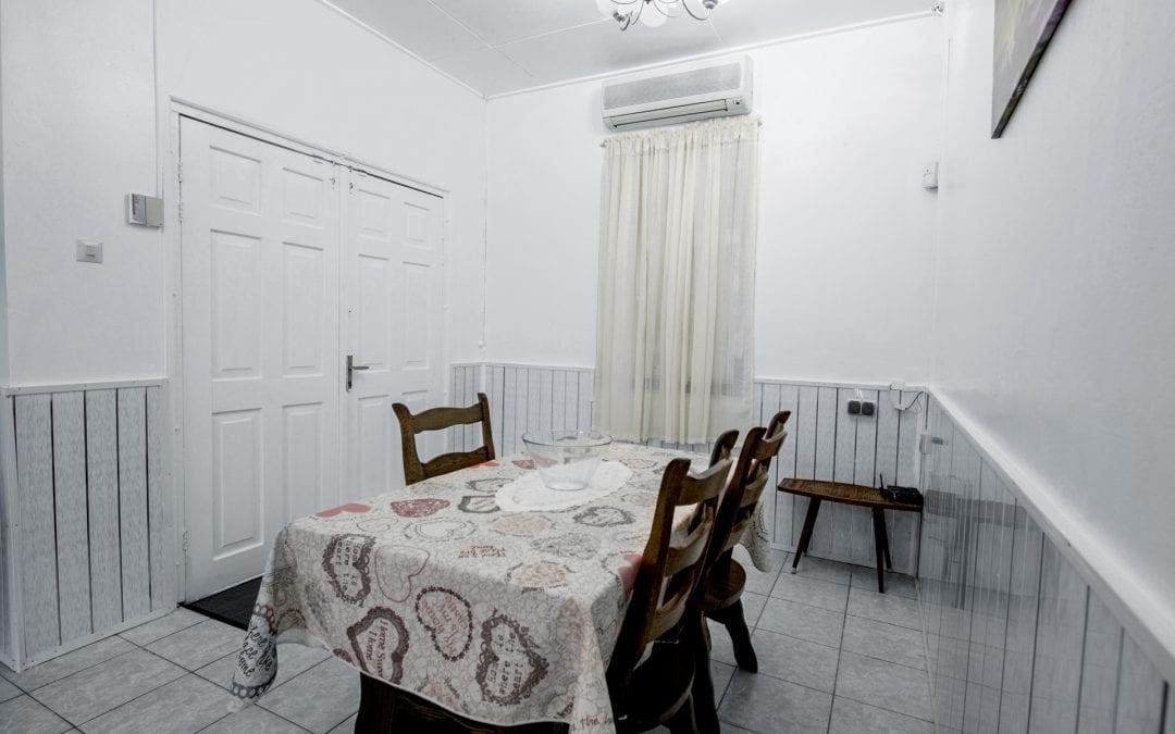 Vakantiehuis Suriname Eethoek 3