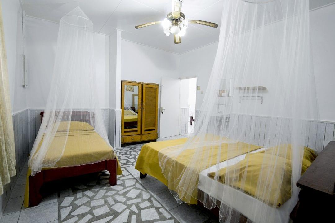 Vakantiehuis Suriname Slaapkamer groot 2