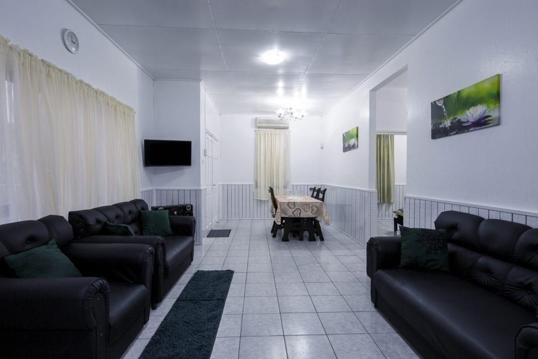 Vakantiehuis Suriname Woonkamer