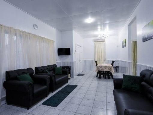 Vakantiehuis Suriname Woonkamer 2