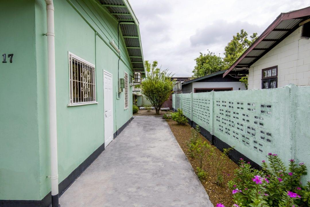 Vakantiehuis Suriname Zijkant rechts
